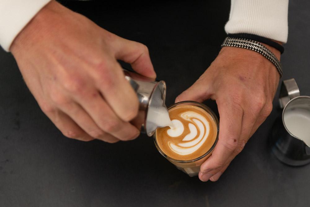 Leer Latte Art. Barista cursus in Den Haag, Amsterdam of bij jou op locatie.